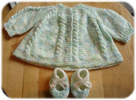 elisols baby sweater outfit